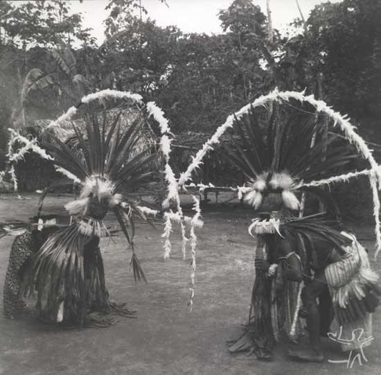 Festa de Okomo (em aparai; eputop em wayana), ritual Aparai-Wayana. Foto: Protásio Friekel, 1955.
