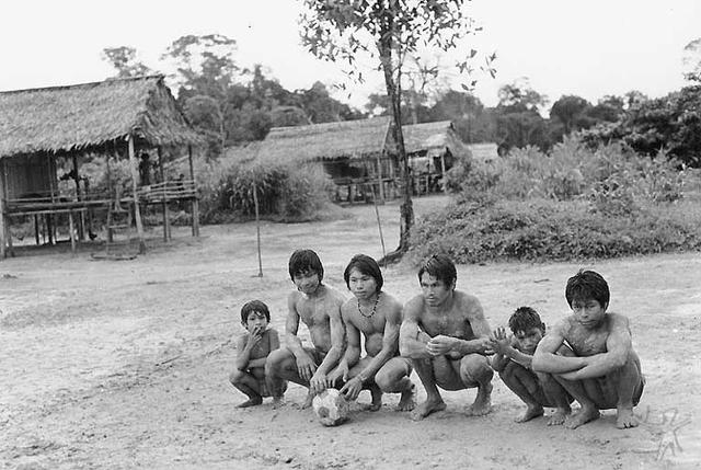 Apurinã do rio Peneri. Foto: Nietta Lindenberg Monte, 1984.