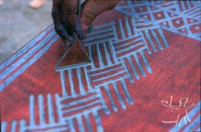 Confecção de banco tukano. Foto: Rosa Gauditano, 2002