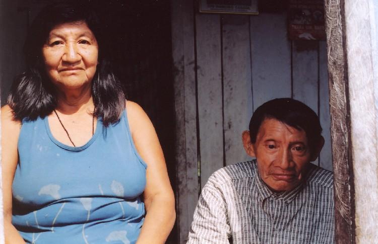 Dois únicos falantes da língua materna. Foto: Hein van der Voort, 2004.