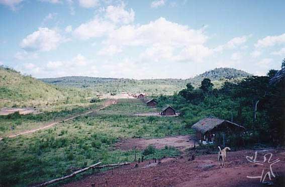 Aldeia Felipe Bone (TI Lagoa Comprida) dos Guajajara. Foto: Peter Schröder, 2000
