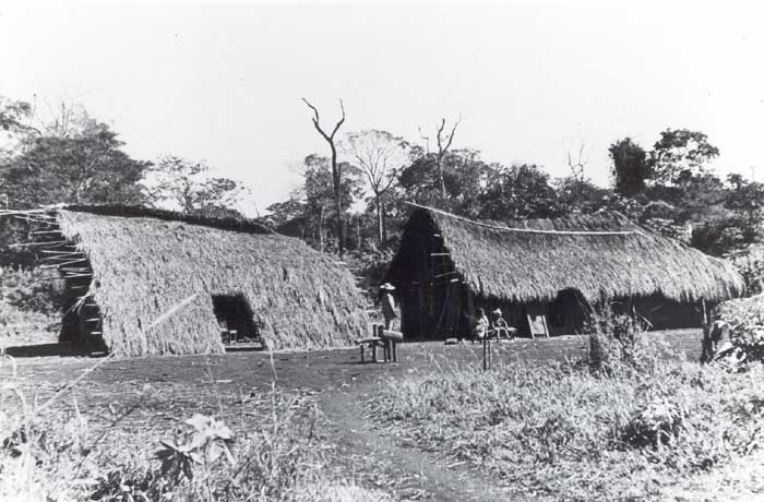 Aldeia kaiowa. Foto: Egon Shaden, 1949.
