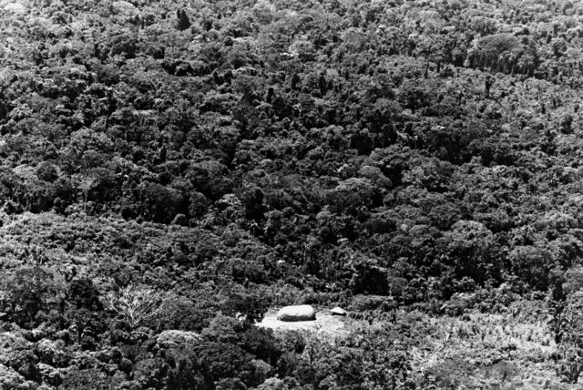 Vista aérea da maloca dos índios Gavião, Terra Indígena Igarapé Lourdes (RO). Foto: Kim-Ir-Sen/Agil