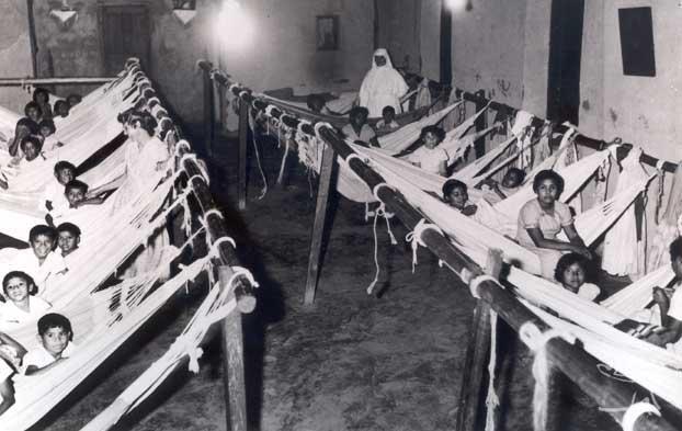 Dormitório do internato na Missão Anchieta. Foto: Arquivo OPAN, década de 60.