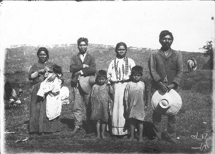 Kaingang aldeados. Foto: acervo Museu do índio, década de 1950.