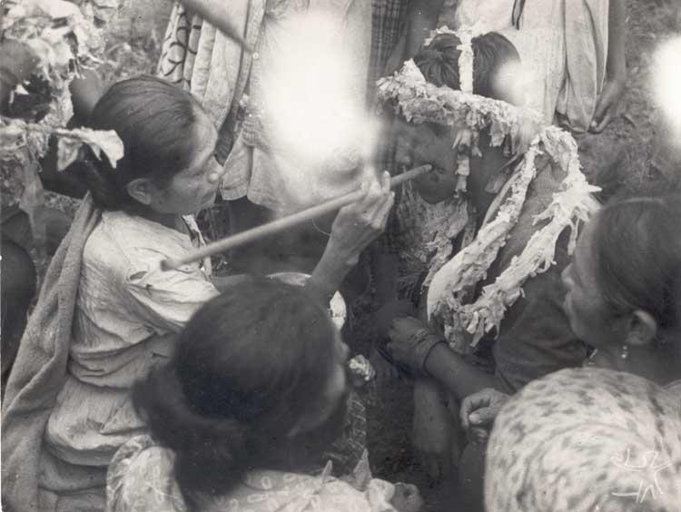 Carimbo de taquara kaingang. Foto: Vladimir Kozak, 1955.