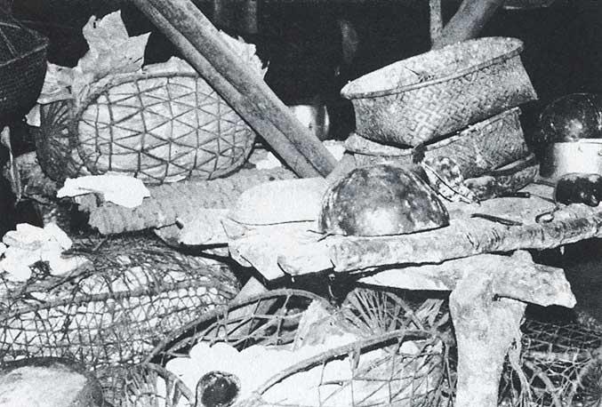 Depósito de polvilho e polpa de mandioca. Foto: Carmen Junqueira, 1972