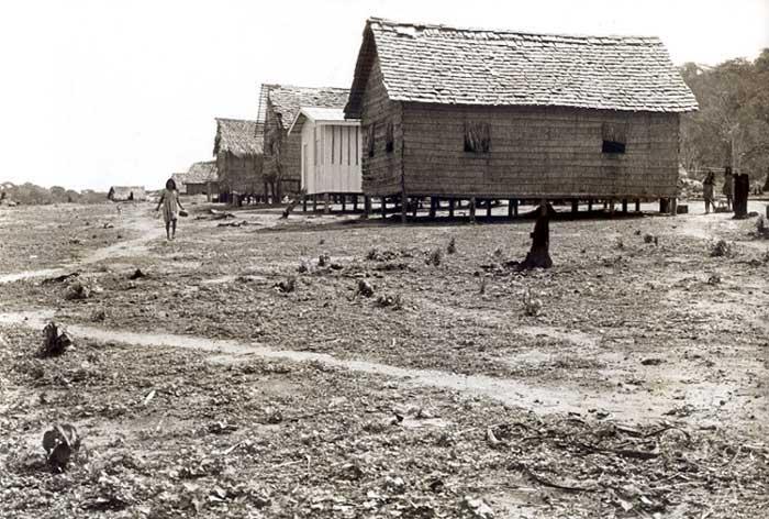 Aldeia dos Arara Karo, depois da separação com os Gavião. foto: Lars Lovold, 1981.