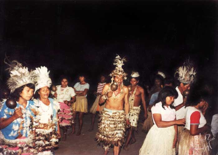Kiriri durante ritual do Toré. Foto: Léo Martins, década de 80.