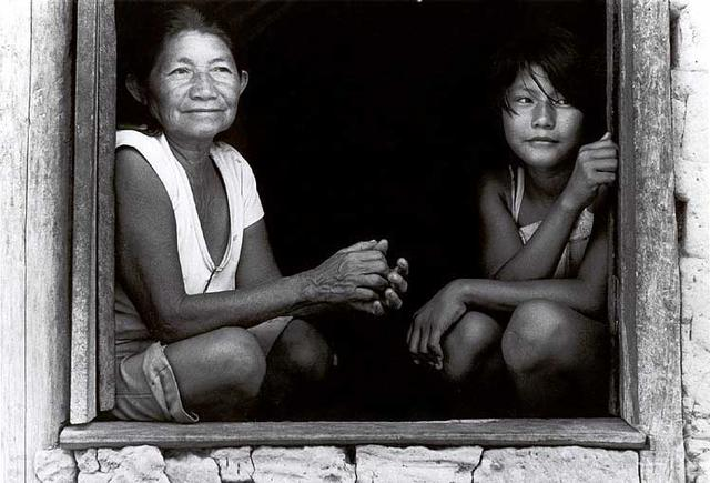 Mulheres macuxi na Maloca Gavião. Foto: Vincent Carelli, 1986.