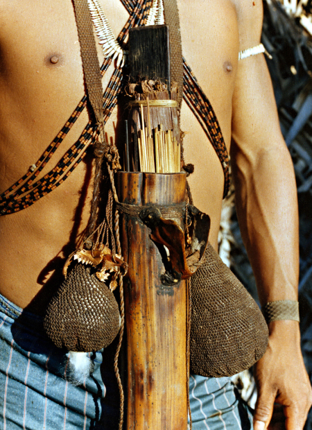 Flechas para zarabatana. Igarapé Boeiro, rio Ituí. Terra Indígena Vale do Javari. Amazonas, 1985. Foto: Isaac Amorim Filho