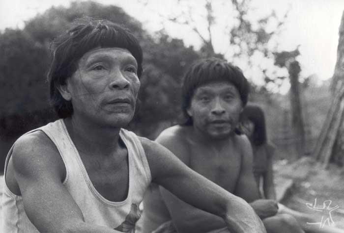 Paiter na aldeia Linha 11, na TI Sete de Setembro. Foto: Luis Paulino, 1985.
