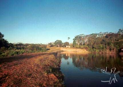 Unidade de piscicultura financiada pelo Planafloro. Foto: Almir Narayamoga Suruí, 2000