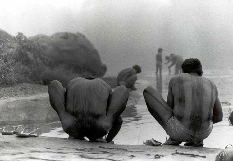 Parakanã no Igarapé Bom Jardim/TI Apiterewa. Foto: Carlos Fausto, 1988.