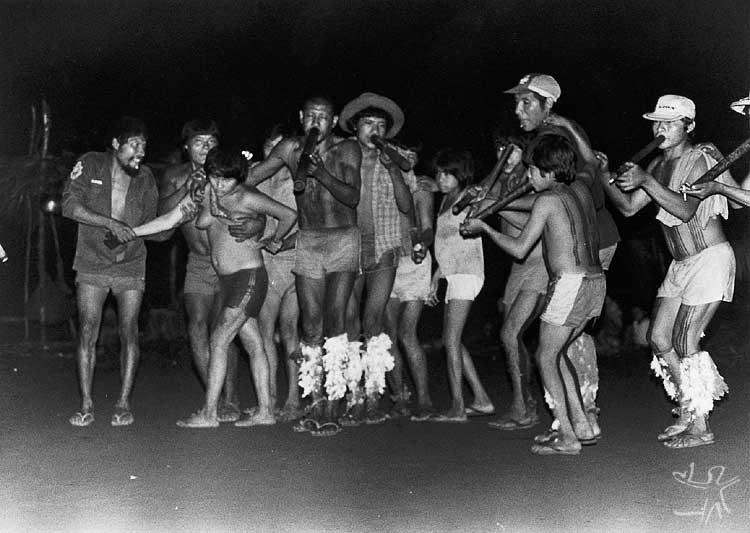 Festa das tabocas no Igarapé Bom Jardim. Foto: Carlos Fausto, 1988.