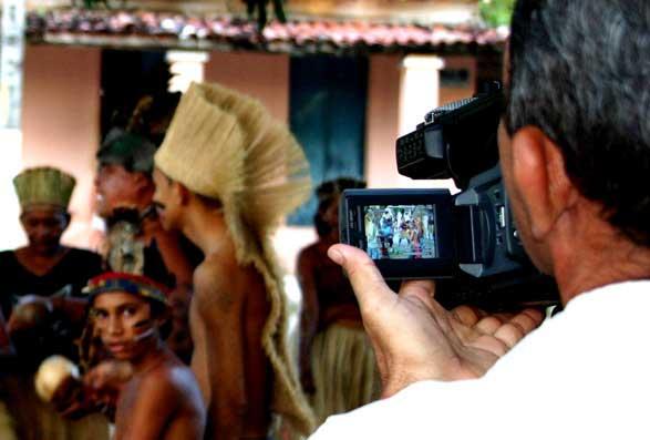 Filmagem de Toré para o evento Ritos de Passagem. Foto: Joceny Pinheiro, Março 2006, Maracanaú-CE