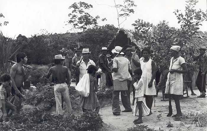 Demarcação da TI Potyguara, na Baía da Traição. Foto: Tiuré, 1981