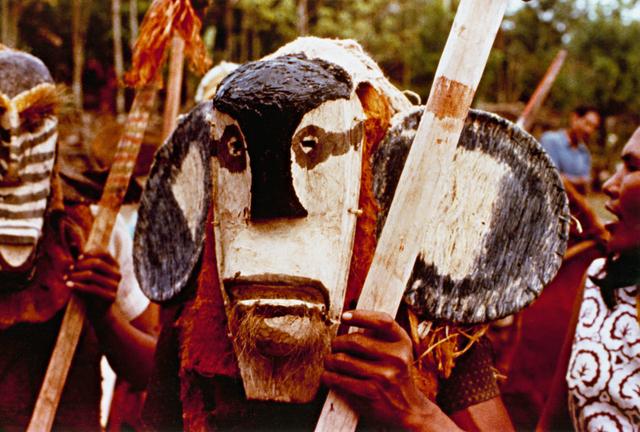 Índio Ticuna durante ritual, Belém do Solimões, Terra Indígena Évare I, Amazonas. Foto: Frei Arsênio Sampalmieri, 1979