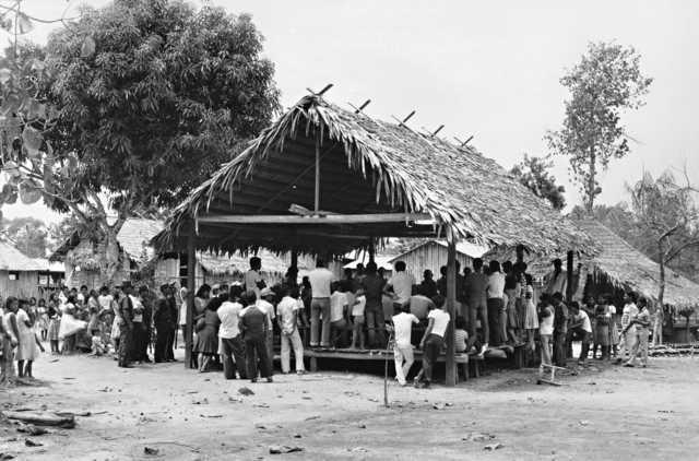 Primeira reunião geral de professores Ticuna, Santa Inês, Amazonas. Foto: Jussara Gruber, 1983