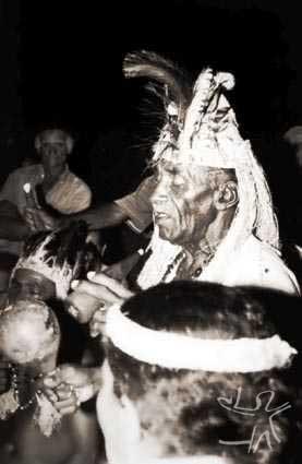 Toré no terreiro do Pé da Areia. Foto: Ugo Maia, 2000.