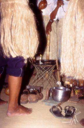 Cataiobas e jurema durante toré. Foto: Ugo Maia, 2001