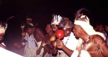 Toré no terreiro da Missão Velha. Foto: Ugo Maia, 2001.