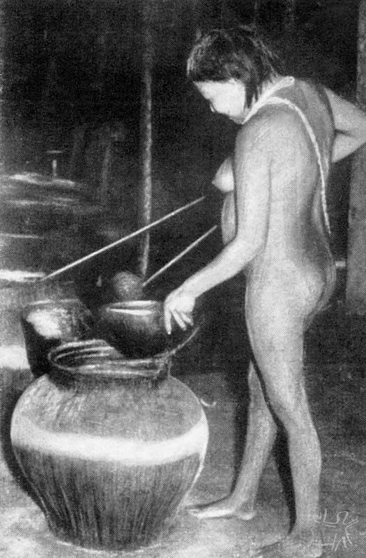 Sevindo a chicha numa festa. Foto: Franz Caspar, 1948