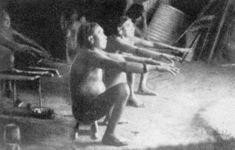 Os xamãs acompanham o comportamento dos espíritos. Foto: Franz Caspar, 1948