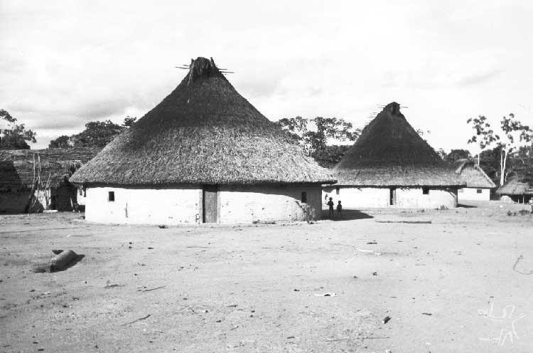 Aldeia de Auaris. Foto: Volkman Zieglen, 1982.