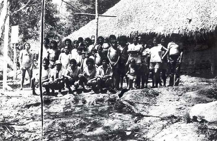 População Kuruaya na confluência dos rios Iriri e Curuá. Foto: Padre Angelo Pansa, 1985.