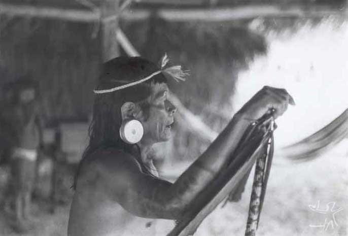 Cantador apanyekrá. Foto: Jaime Siqueira Jr./CTI, 1993