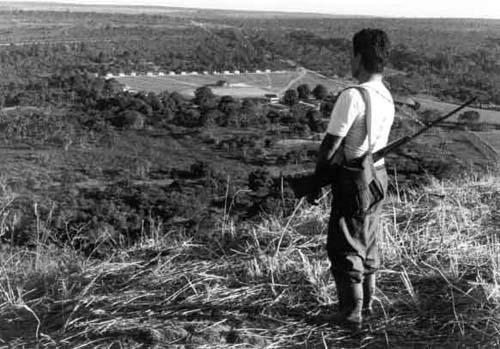 Vista da aldeia do Meruri no cerrado ([[Povo:Bororo | Bororo]] – MT). Foto: Luís Donisete B. Grupioni, s/d.
