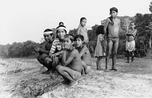 Índios matsés, aldeia do Lameirão, Terra Indígena Vale do Javari, Amazonas.