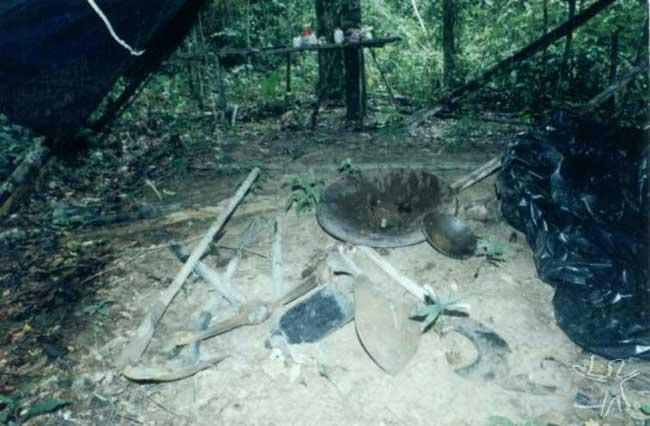 Material de garimpo apreendido ao sul da TI Urueu. Foto: Sergio Cruz, 2000