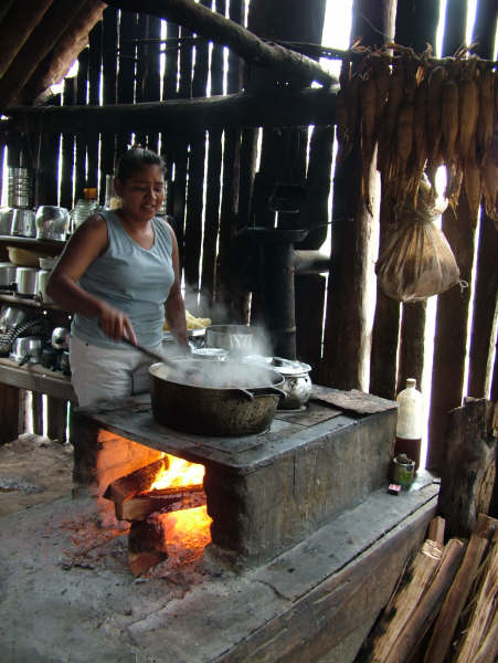 Mirian Guató, cooking in Bolivia. Photo: Suki Ozaki, 2006