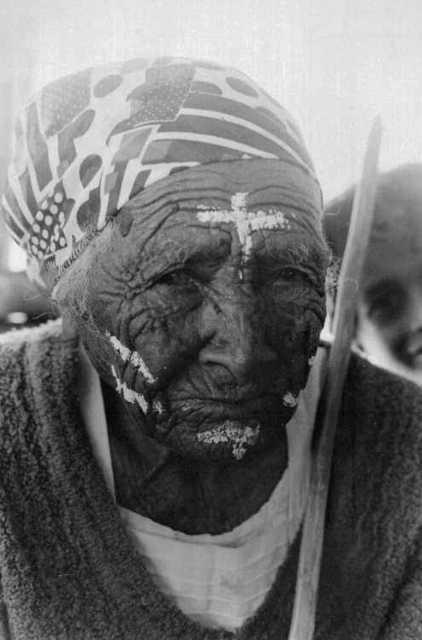 Dona Maria, membro de uma das primeiras gerações a chegar em Januária, Alagoas. Foto: Alexandre Ferraz Herbetta, 2001