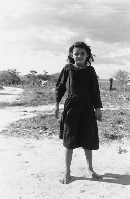 Menina Kalankó em Lageiro do Couro, Alagoas. Foto: Alexandre Ferraz Herbetta, 2005