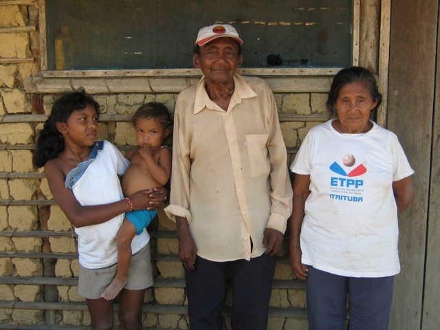 Índios Apiaká, aldeia Mairowy, Terra Indígena Kaiabi, Apiacás, Mato Grosso. Foto: Giovana Acacia Tempesta, 2007.