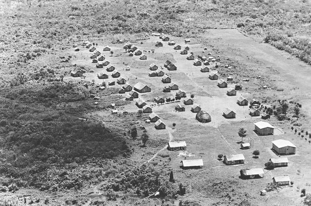 Aldeia Zoró, Terra Indígena Zoró, Mato Grosso. Foto: Kim-Ir-Sen/Agil, 1987