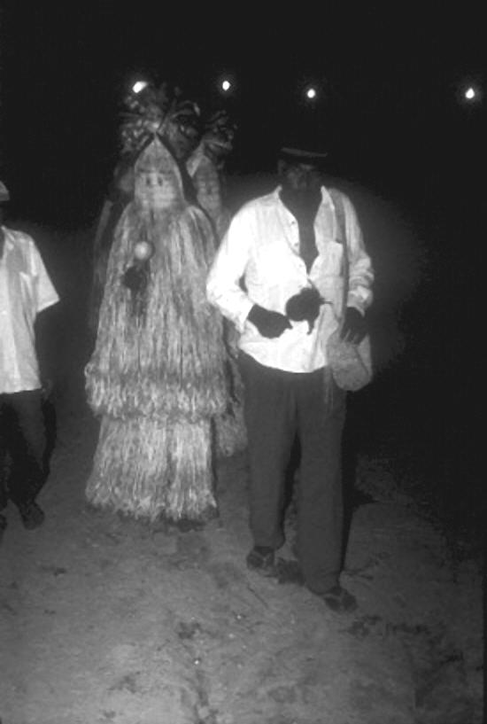 Praiás Karuazu durante ritual, comunidade Tanque, Pariconha, sertão de Alagoas. Foto: Ugo Maia Andrade, 2002