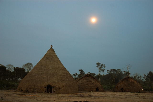 Enawene Nawe village, Enawene Nawe Indigenous Territory, Mato Grosso. Photo: Vincent Carelli, 2009