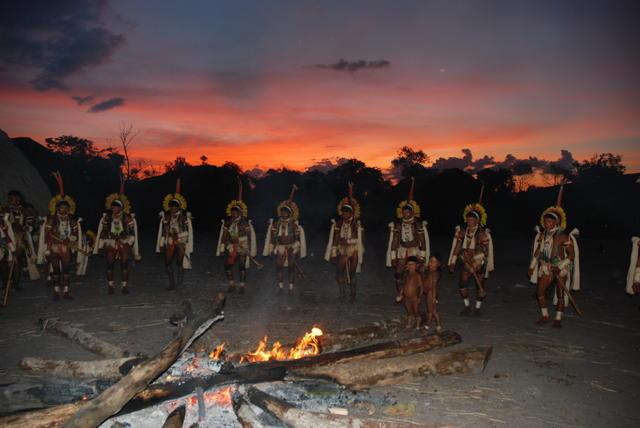 Ritual dos Enawenê Nawê, Terra Indígena Enawenê Nawê, Mato Grosso. Foto: Vincent Carelli, 2009