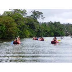PARNA do Cabo Orange (AP) - Descida de caiaque no Rio Primeiro do Cassiporé com turistas e comunitário da Vila Primeiro do Cassiporé. 2009  / Denise Carvalho