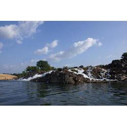 Região das Cachoeiras da Volta Grande do Rio Xingu, próximo ao Ramal 27, da CENEC. Após a construção das barragens da UHE Belo Monte esse local ficará com vazão reduzida, Vitória do Xingu, Pará. 2009  / Marcelo Salazar/ISA