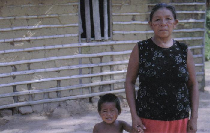 Mulher makurap. Aldeia Ricardo Franco, Terra Indígena Rio Guaporé. Foto: Nicole Soares Pinto, 2008