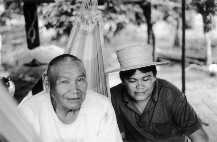 Índios Shanenawa, aldeia Morada Nova, Terra Indígena Katukina/Kaxinawá, Feijó, Acre. Foto: Mônica Barroso, 2003