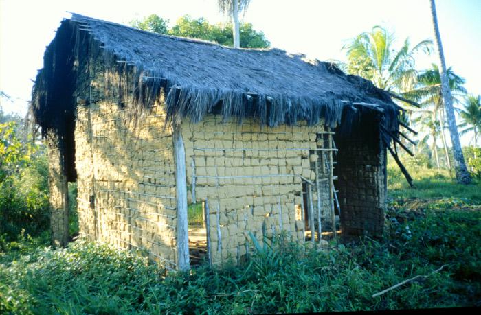 """""""Casa Isolada"""" em Acuípe. Foto: Susana Viegas, 1998."""