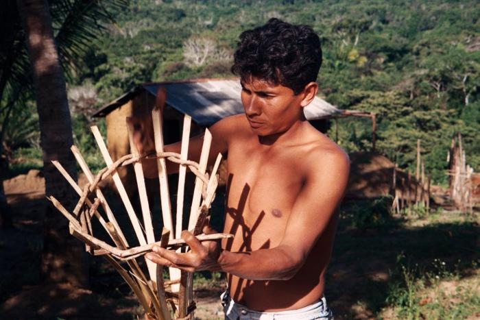 Jequi, armadilha usada para fazer a tapagem. Foto: Susana Viegas, 2004.