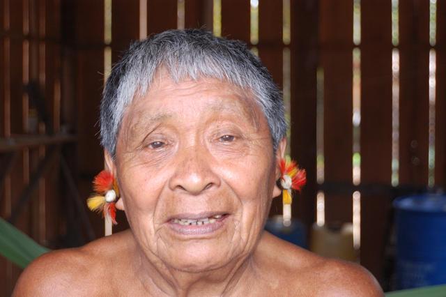 Wirhta Hixkaryana, aldeia Riozinho, Terra Indígena Nhamundá/Mapuera, Amazonas. Foto: Ruben Caixeta, 2010