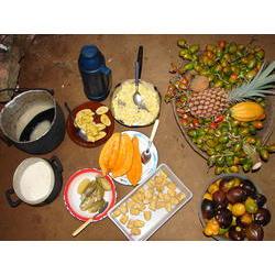 Café da manhã preparado por uma mulher Baré no seu sítio, perto de São Gabriel da Cachoeira 2006  / Ludivine Eloy/ISA